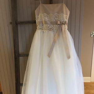 Girls Flower Girl Dress (David's Bridal Size 7)